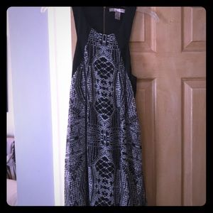 Forever 21 mini dress size S black with pattern
